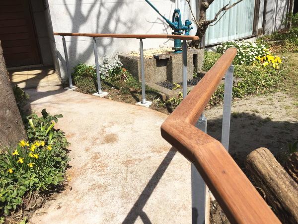 木製の屋外手すり施工事例01