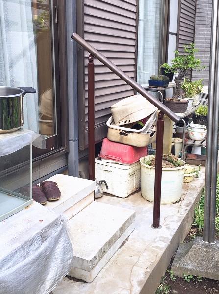 庭に出る掃き出し窓の屋外手すり施工事例01