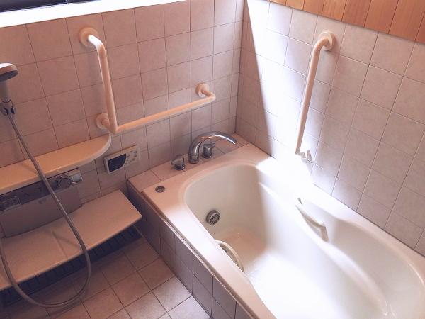 三鷹市の浴室手すり施工画像03(TOTOインテリアバー)