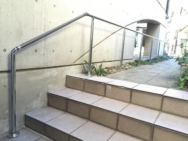 荒川区のマンション手すりの施工事例01(TOTO商品)