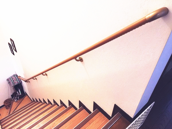 横浜市南区のマンション階段手すり施工事例01