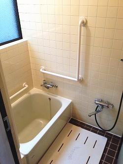 TOTO浴室手すりI型とL型(施工例31)