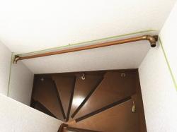 EWT11BF35で曲り階段に手すり取付画像03