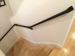 階段手すりの取付工事(パナソニック)ブラック02