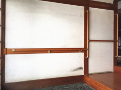 補強板つきの玄関手すりの取付工事1