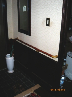 玄関のTOTO横手すり(施工例26)