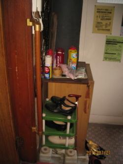 玄関のTOTO縦手すり(施工例22)
