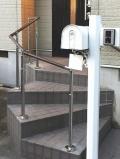 曲り階段のTOTO屋外手すり