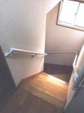 階段の白い手すり取付工事