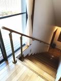 支柱を使った階段手すり