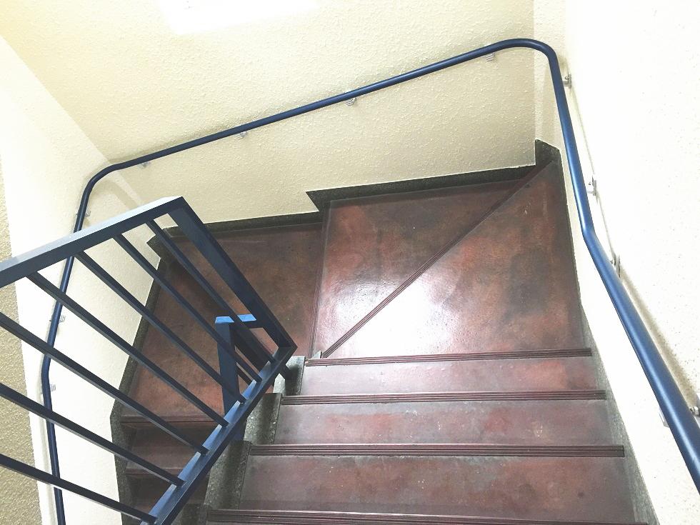 マンション共用部階段手すり施工事例03