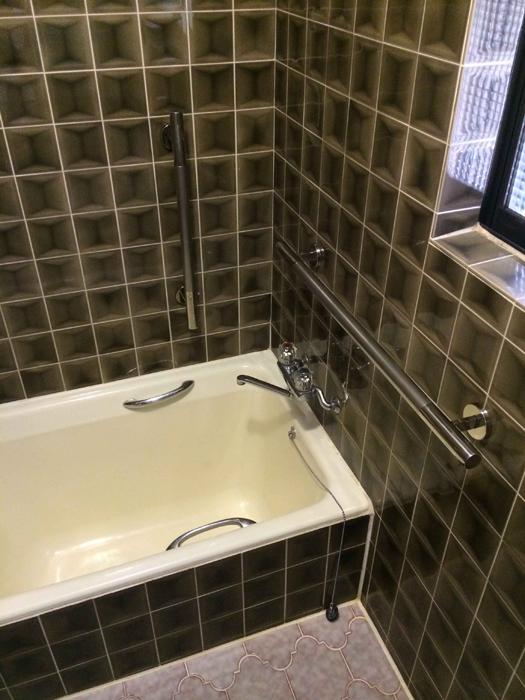 浴室ステンレス手すりの取付工事2