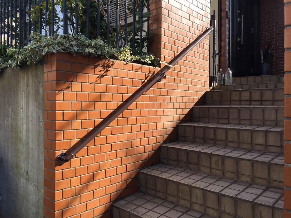 屋外階段手すりの取付工事1