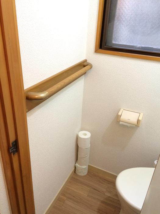 トイレ手すり補強板付きの取付工事1